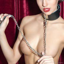 Nyakörv pórázzal domináknak vagy uraknak BDSM szexhez